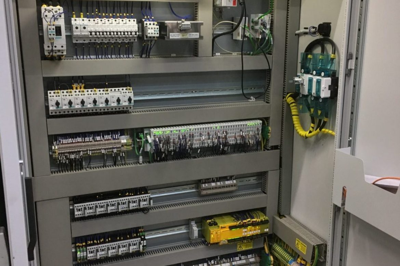 Sturingsbord PLC buizenplooimachine